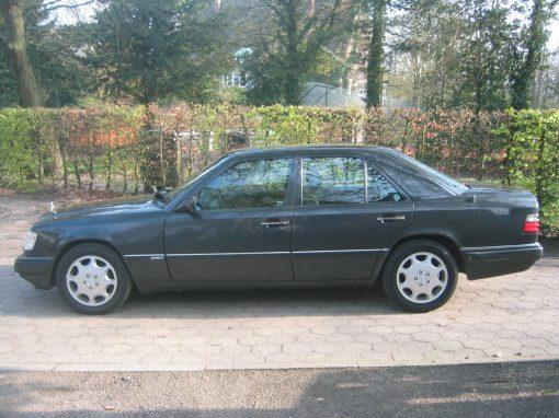 Mercedes-Benz E420, 1993