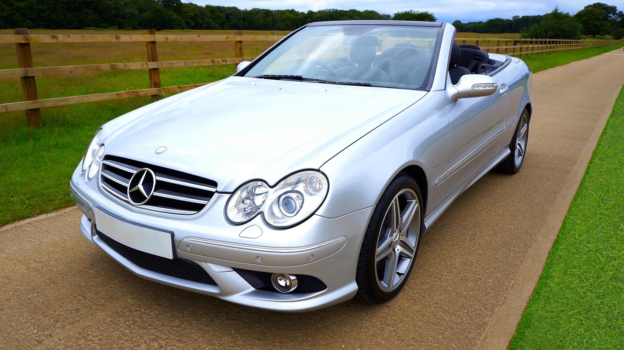 2008-Mercedes-Benz-CLK500-AMG