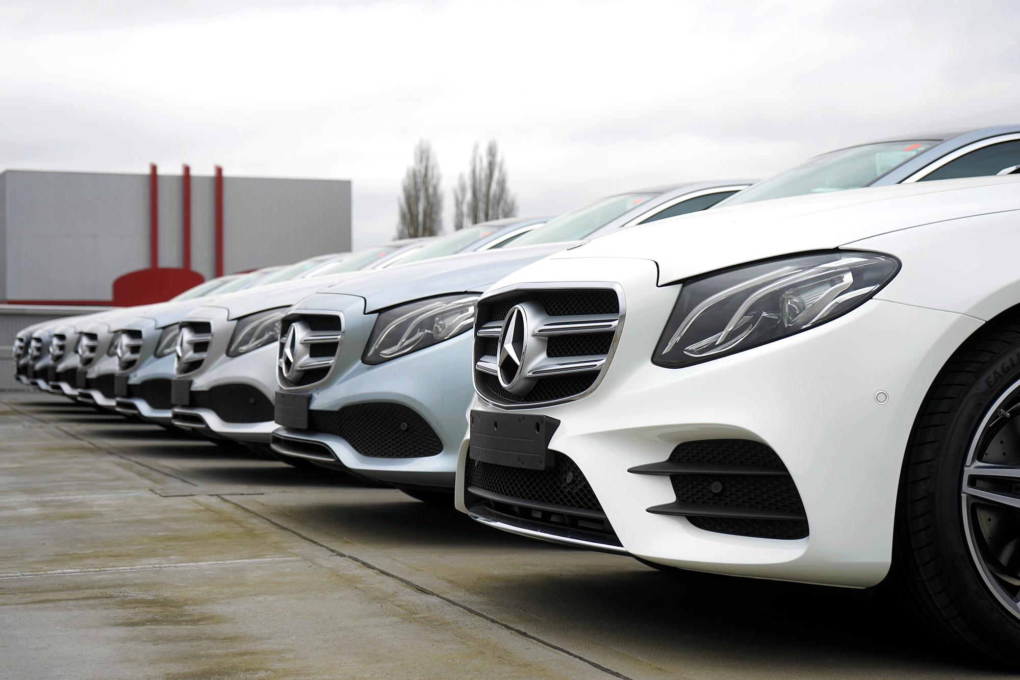Mercedes-Benz-Div.-Ready-for-Delievery