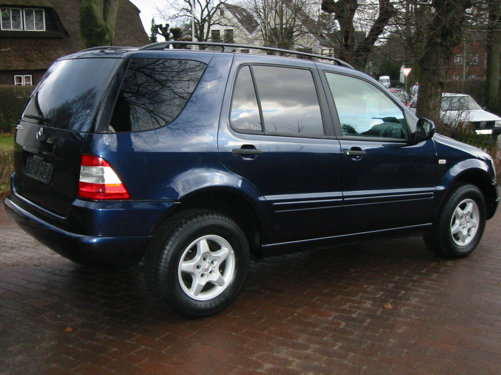 Mercedes-Benz ML320, 2000